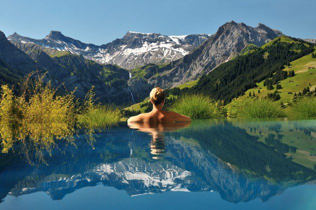 Swimming pool schweiz alpen