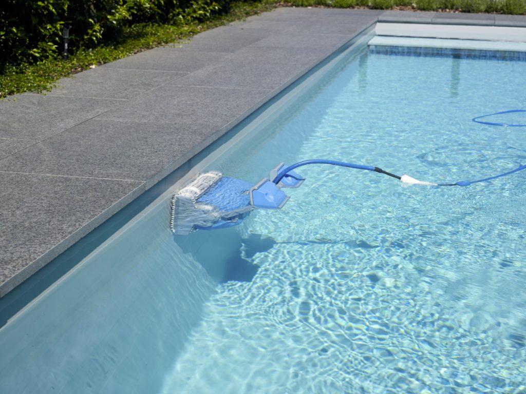 swimmingpool-putzroboter