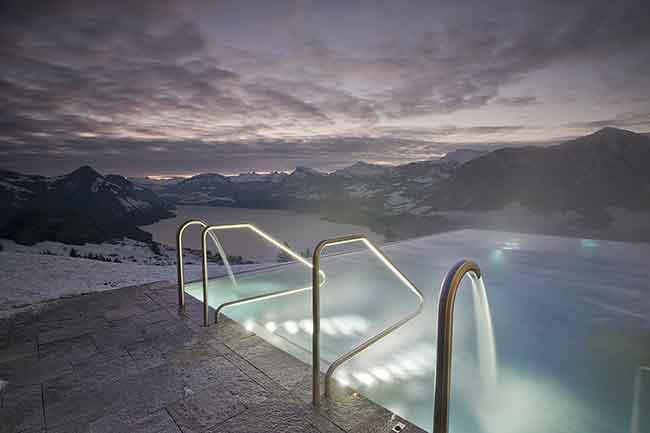 swimmingpool-schwimmbad-villa-honegg-infinity