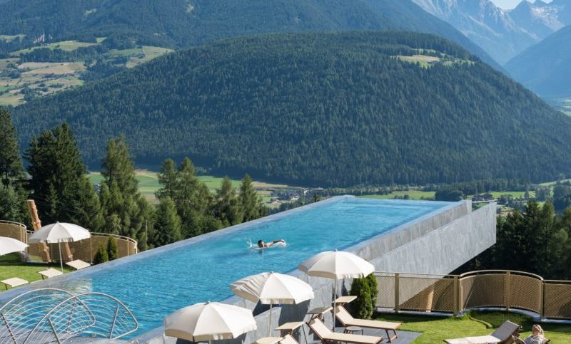 Infinity pool archives swimmingpool portal schweiz - Was ist ein infinity pool ...