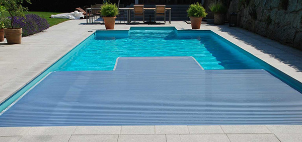 Poolabdeckung,-Schwimmbadabdeckung,-Rollladenabdeckung-fuer-Pools
