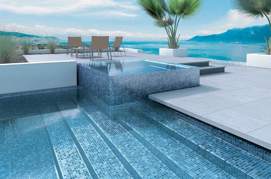 10 Tipps fuer sauberes Poolwasser
