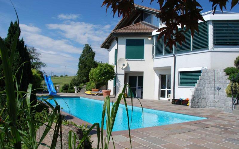 Swimming Pool bauen, Immobilienwertsteigerung dank Pool